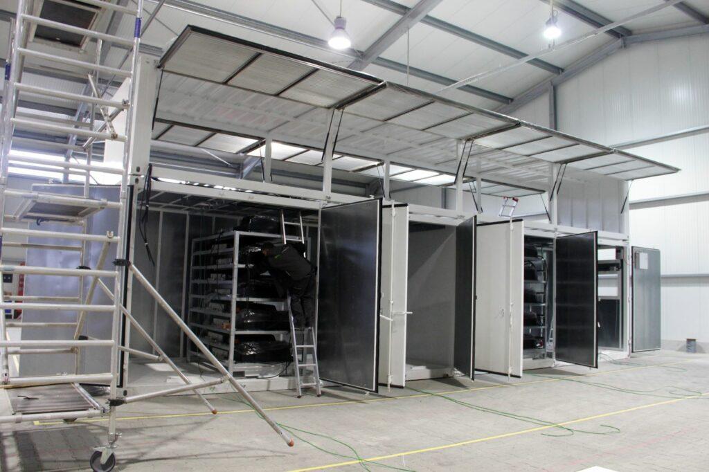 Industrial Container im neuen FENECON Produktionsstandort in Künzing